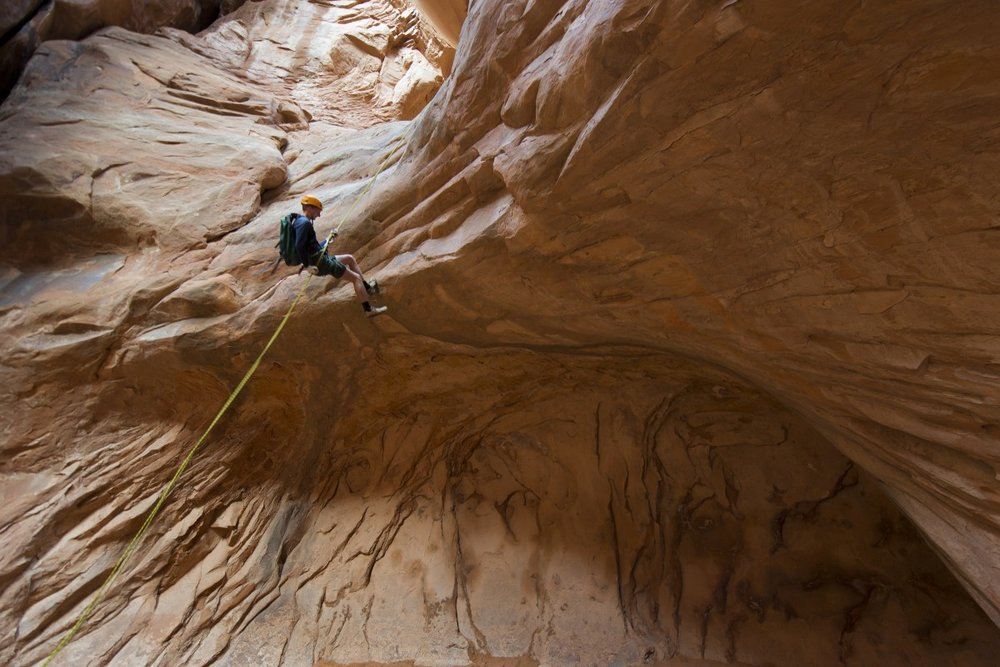 climbing_rappelling_canyoneering_rope_cliff_landscape_abseiling_outdoors-1395248.jpg