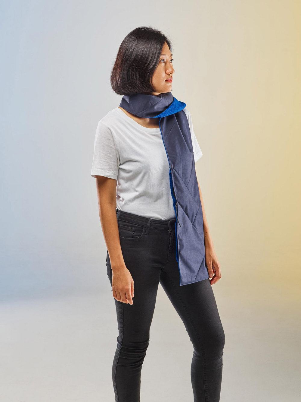 ECAL-and-QWSTION_catarinapacheco_traveller_scarf_1.jpg