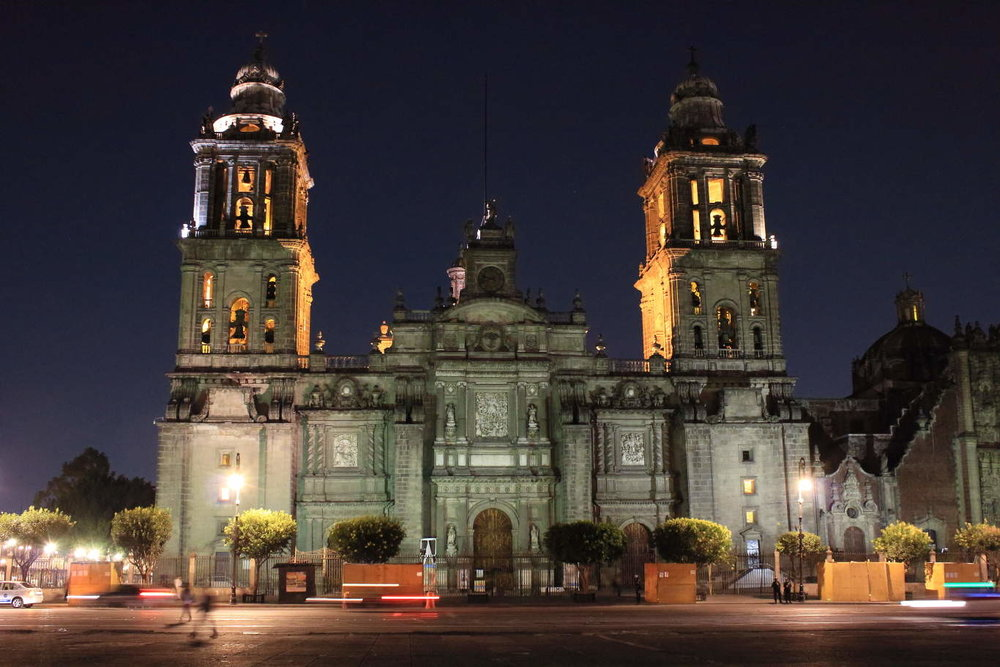 Metropolitan Cathedral, Zócalo