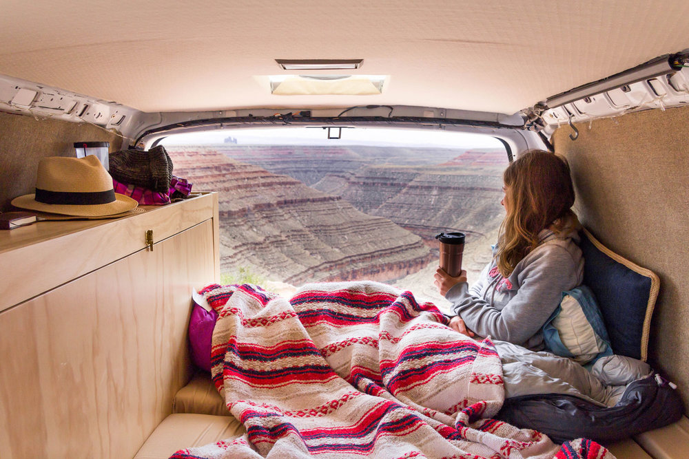 Van-coffee-at-Gooseneck-State-Park-UT_edited-27_web.jpg