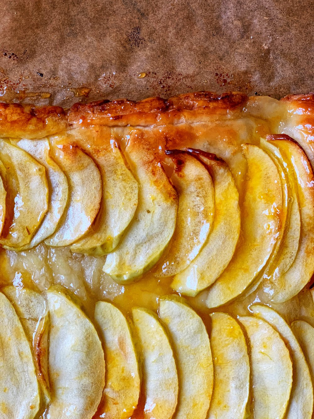 simplest apple tart with apricot jam (with just a hint of brandy or rum)