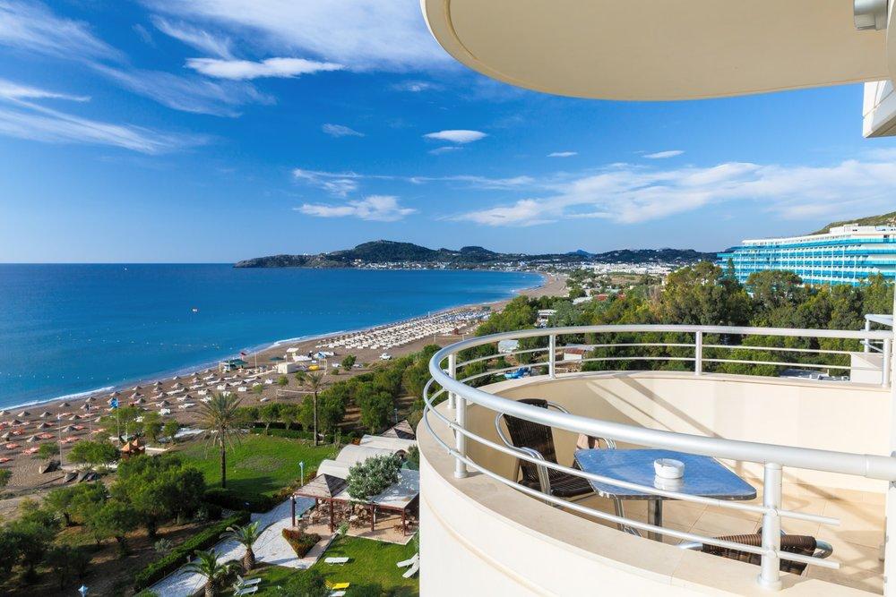 hotel-balcony-sea-view-1434268788R2c.jpg