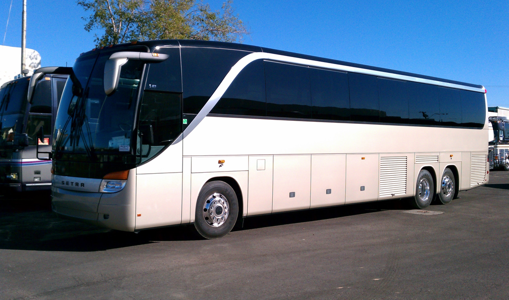cost to rent a charter bus