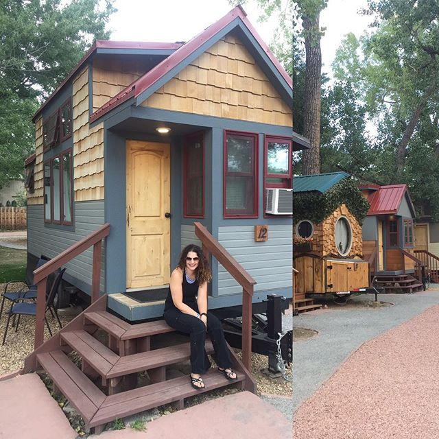 Livin' up the weekend in 165 square feet! #weecasa #tinyhouse #livesmall #pronetowander #outofthebox #zerowaste #thinksmall #travelmemoir #lyonscolorado #visitcolorado