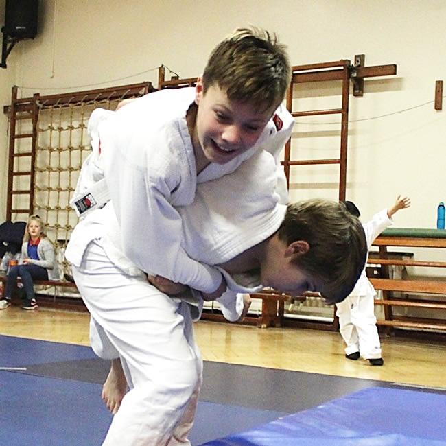 Boys-having-fun-with-judo-throws-at-class-in-Elmbridge-by-Tora-Kai-School-of-Judo1.jpg