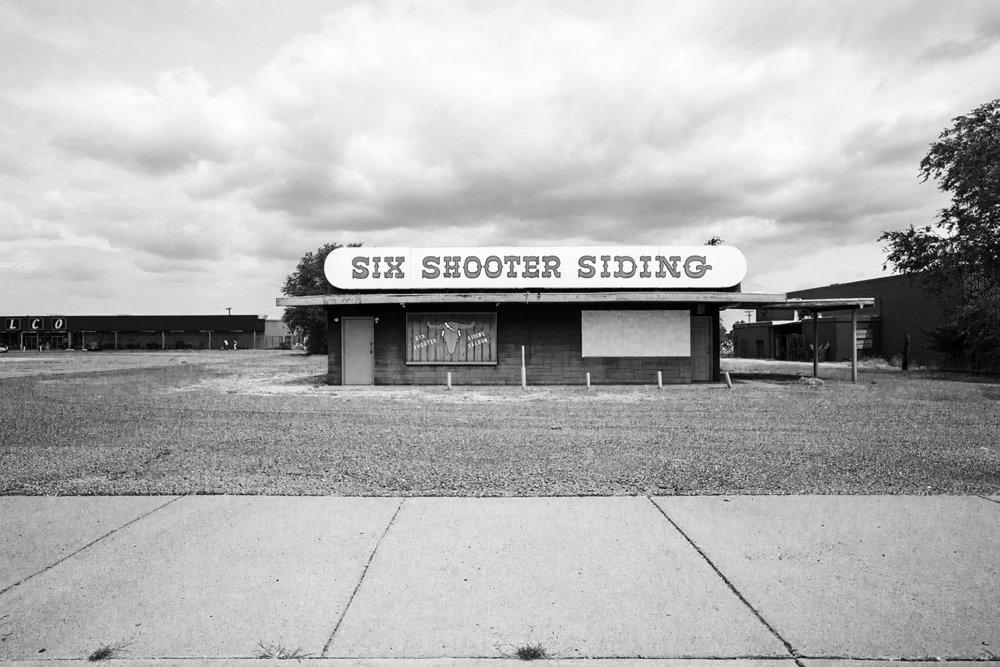 Six Shooter Siding Tavern