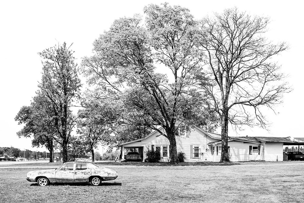Farm and Old Car, Anchor Mill, Tennessee, TN, United States by Leica Photographer Manuel Guerzoni in San Francisco