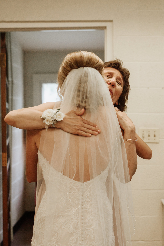 Mandy-Brad-Wedding-Previews-2584.jpg