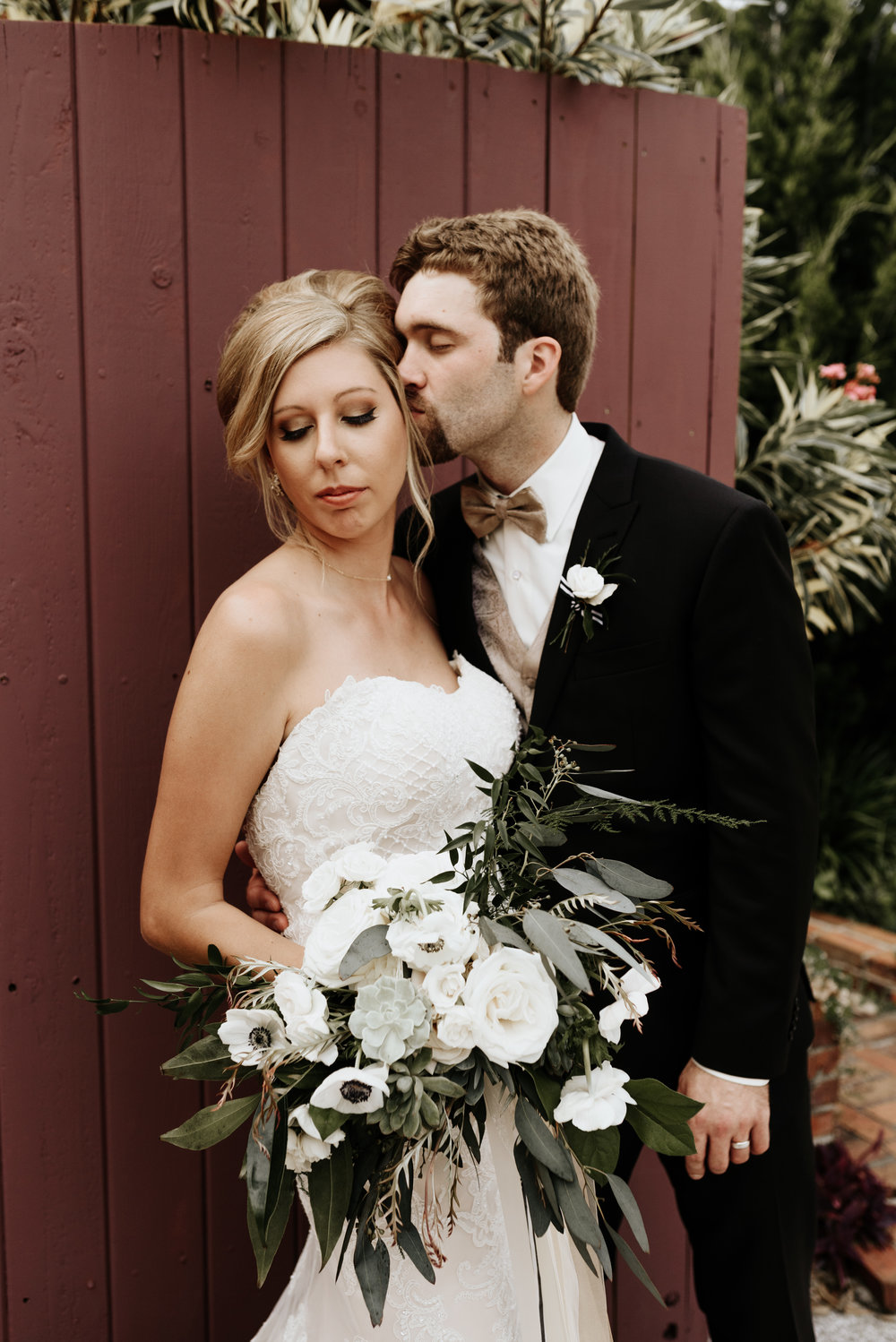 Mandy-Brad-Wedding-Previews-0740.jpg