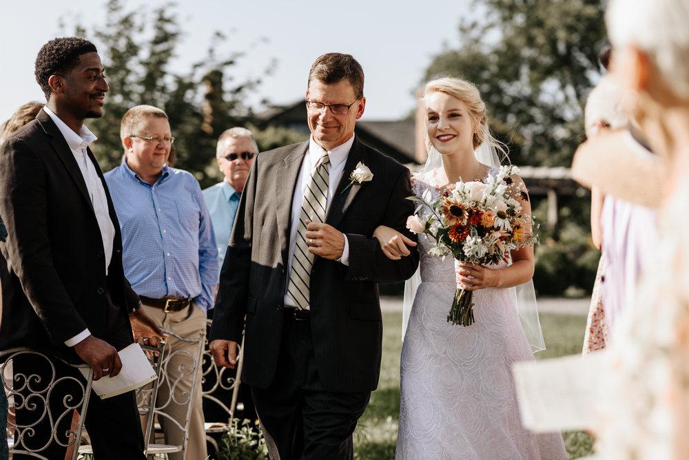 Lauren-Trell-Wedding-Market-at-Grelen-Virginia-Photography-by-V-0077.jpg