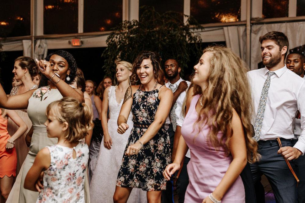 Lauren-Trell-Wedding-Market-at-Grelen-Virginia-Photography-by-V-7123.jpg