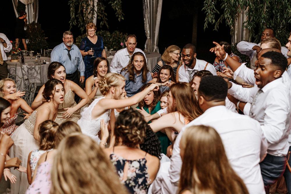 Lauren-Trell-Wedding-Market-at-Grelen-Virginia-Photography-by-V-7166.jpg