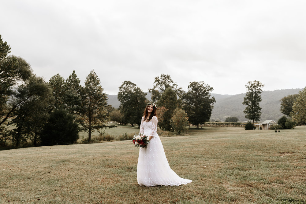 Veritas-Vineyards-and-Winery-Wedding-Photography-Afton-Virginia-Yasmin-Seth-Photography-by-V-9429.jpg
