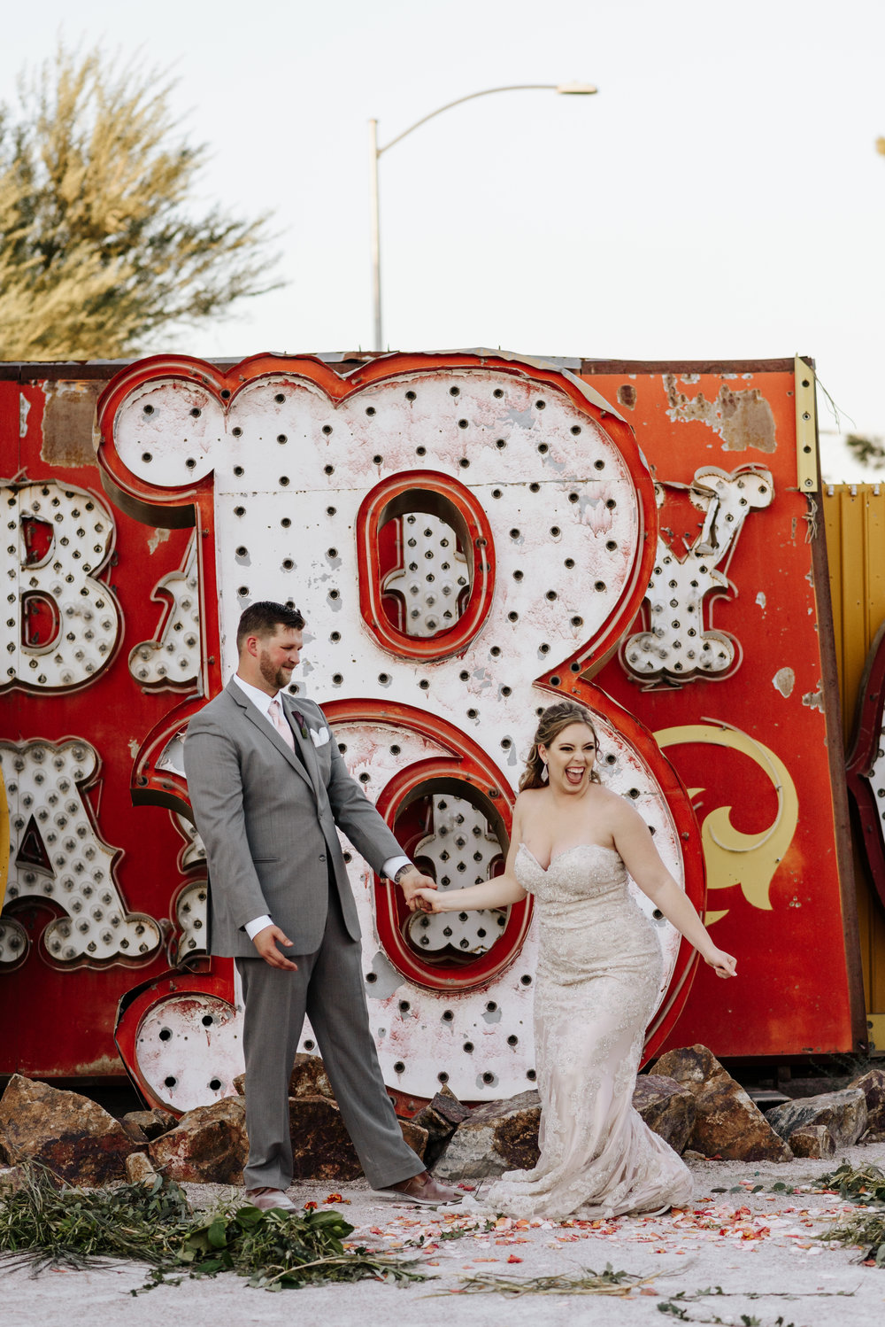 Neon-Museum-Wedding-Las-Vegas-Nevada-Golden-Nugget-Photography-by-V-Ally-and-Dan-6830.jpg
