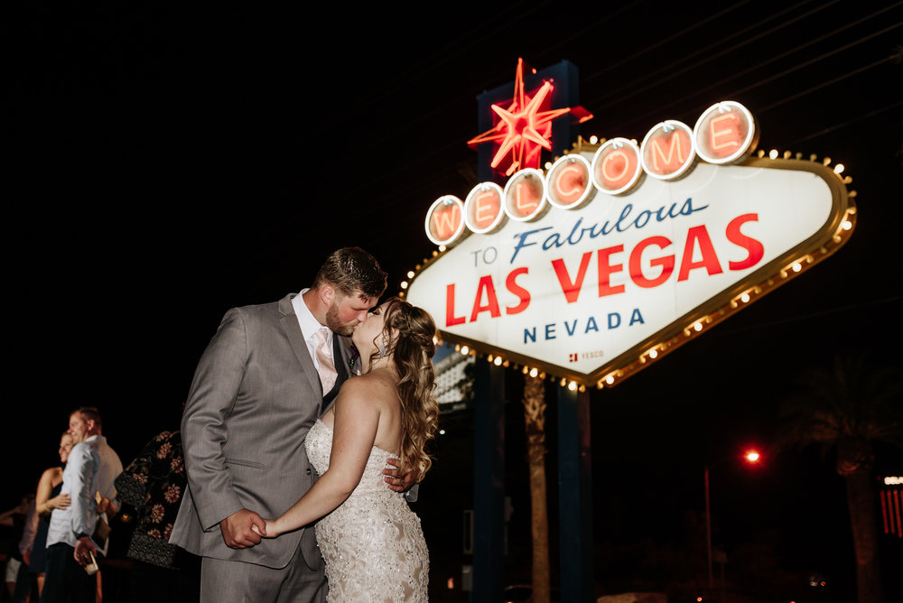 Neon-Museum-Wedding-Las-Vegas-Nevada-Golden-Nugget-Photography-by-V-Ally-and-Dan-3380.jpg