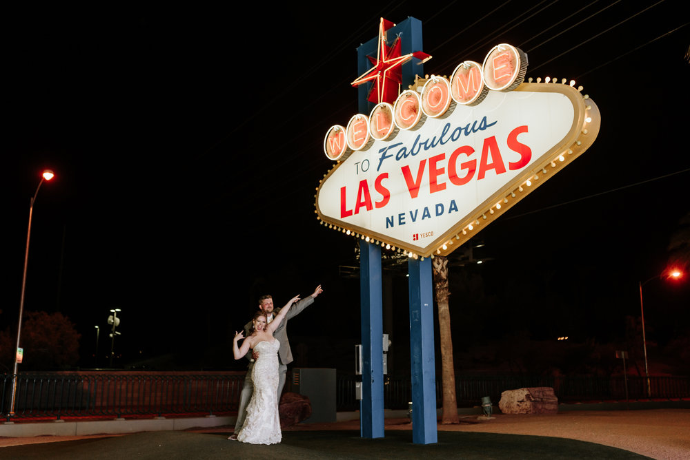 Neon-Museum-Wedding-Las-Vegas-Nevada-Golden-Nugget-Photography-by-V-Ally-and-Dan-3394.jpg