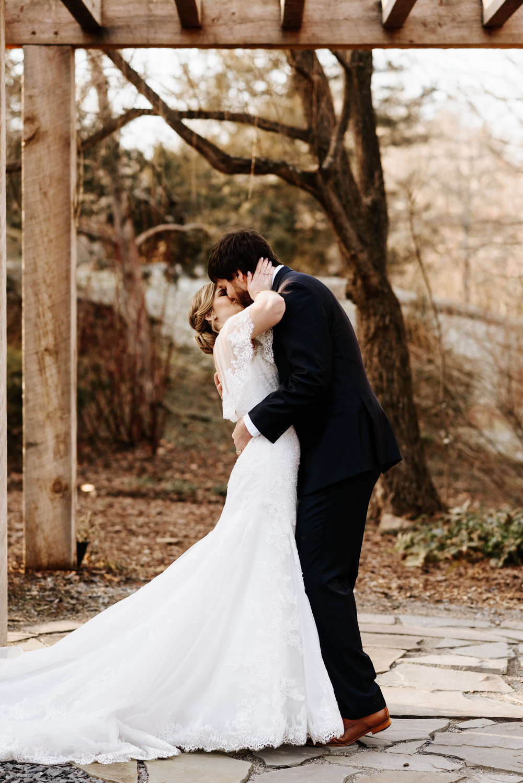 Katie-Stephen-Wedding-Mill-at-Fine-Creek-Richmond-Wedding-Photography-by-V-8793.jpg