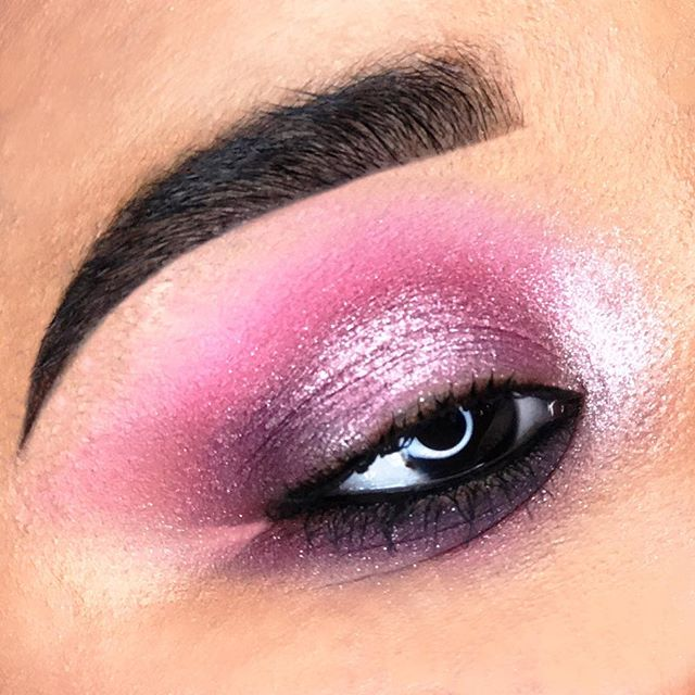 Fashionably Pink. It's not just a colour, it's an attitude. 💓#MACGirls #MACFashionFanatic #MACArtistChallenge 🌸 Model: @_lionhair_ 👩🏻‍🎤 #makeupbymichael #FashionFanatic #maccosmetics #makeupartist #mua #nycmua #pinkeyeshadow #fashion