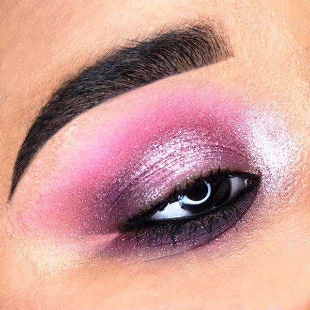 Fashionably Pink. It's not just a colour, it's an attitude. 💓#MACGirls #MACFashionFanatic #MACArtistChallenge 🌸 Model: @_lionhair_ 👩🏻🎤 #makeupbymichael #FashionFanatic #maccosmetics #makeupartist #mua #nycmua #pinkeyeshadow #fashion