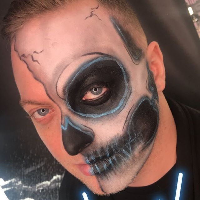 Happy Halloween! 💀💀💀 It's the super bowl of makeup. Neon Skull on me by @samanthajaymes_! #Halloween #Halloweenmakeup #skullmakeup #neonskull #facepaint #maccosmetics #makeupartist #nycmua