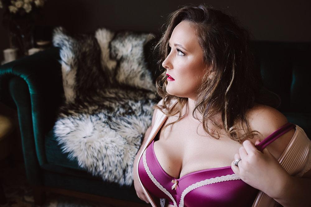 Calgary Boudoir Photographer, Artist Shannon Smith