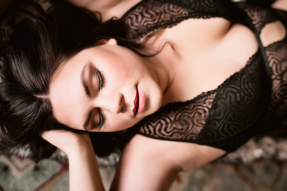 Calgary Boudoir Photographer, Lifestyle, Artist Shannon Smith
