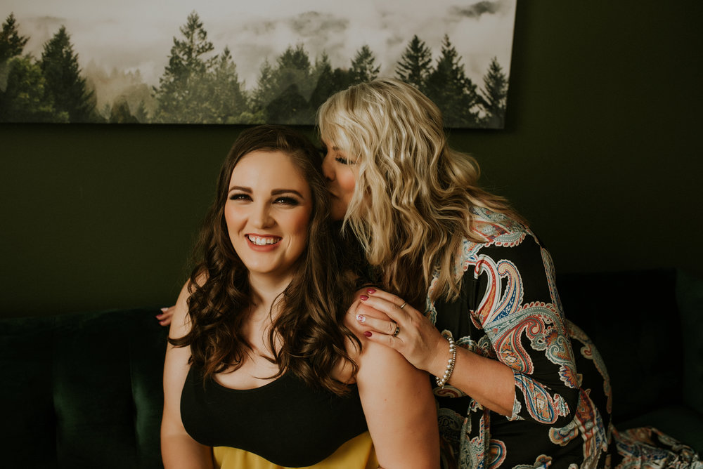 Mother Daughter Portrait Experience - Session Experience Includes:1 hour Studio SessionAccess to client ClosetPrep & Style GuidesSame Day Reveal*Print and digital product is available for purchase in addition to the session fee425 + gst