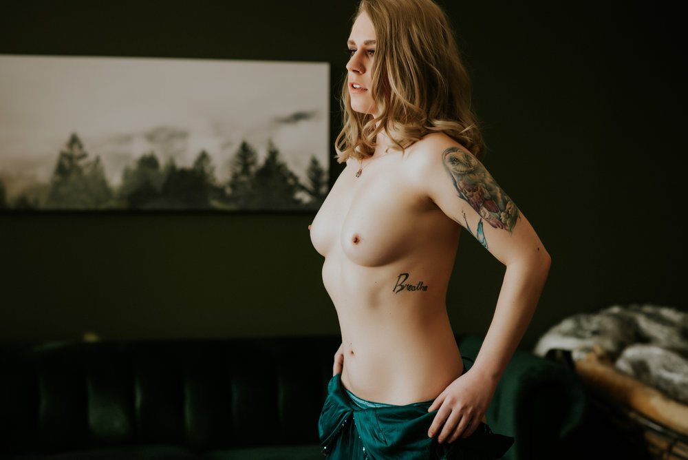 Boudoir, Calgary Photographer, Artist Shannon Smith, Empowerment, Portrait Photography, Fine Nude Art, Body Positive Boudoir