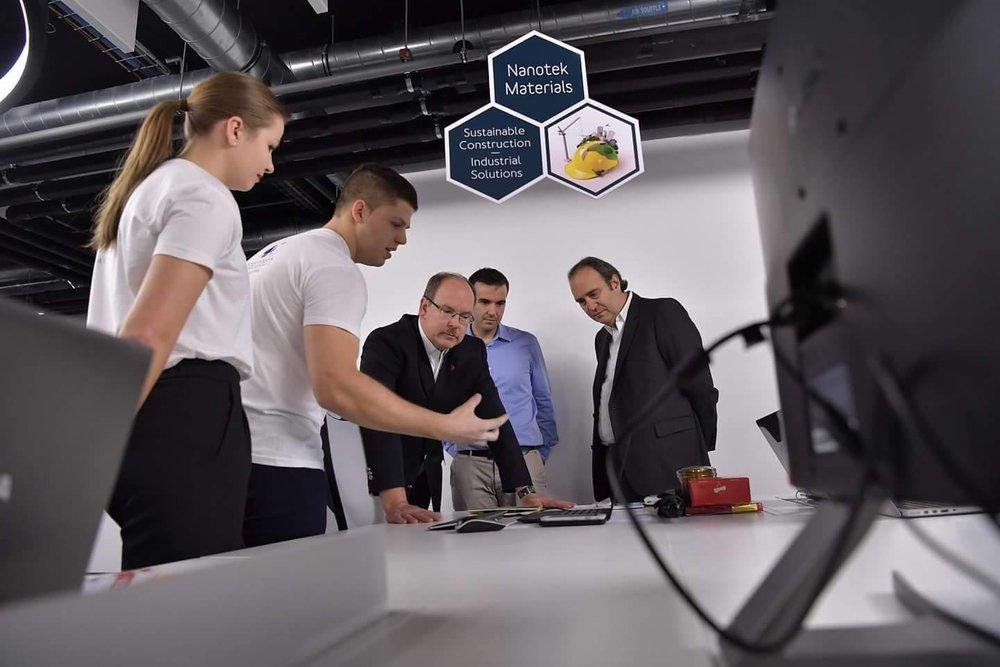 Nanotek Team (Nicole Gynga, Daniel Mazour) with Price Albert II, Xavier Niel and MonacoTech Director Fabrice Marquet