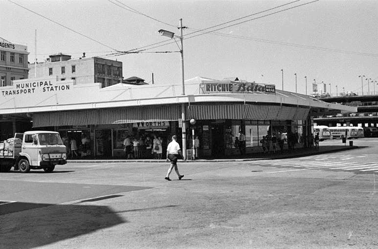 BUS STATION: The downtown Bus Station on the corner of Galway and Commerce Streets, with buildings in Tyler Street (left) behind, and the Britomart Parking Building (right) in 1973. (Photo: Sir George Grey Special Collections, Auckland Libraries, 786-A028-5)