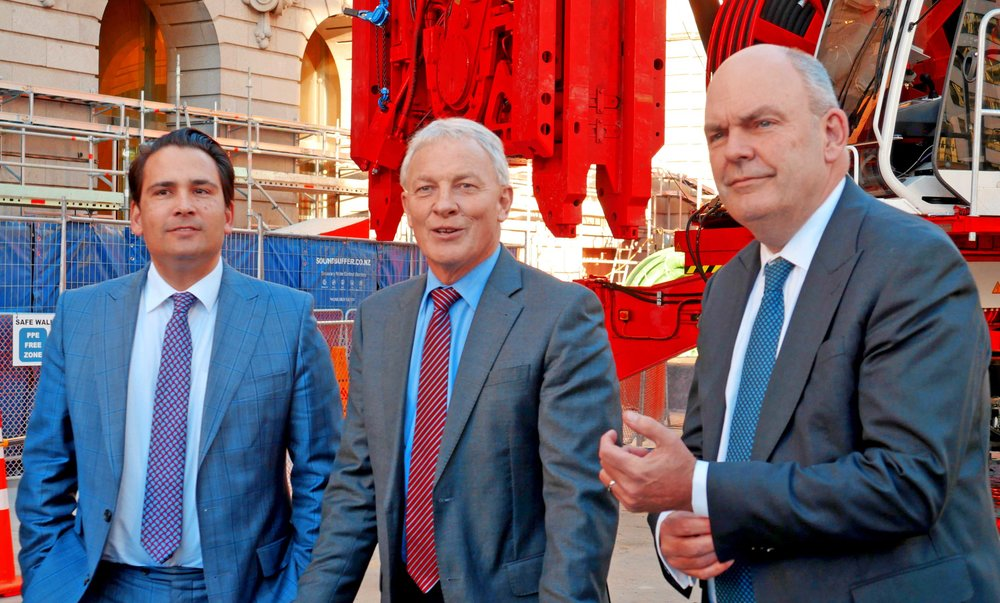 The then Finance and Transport Ministers and Auckland Mayor Phil Goff signed agreements to establish City Rail Link Limited to assume responsibility for delivering the CRL from 1 July 2017