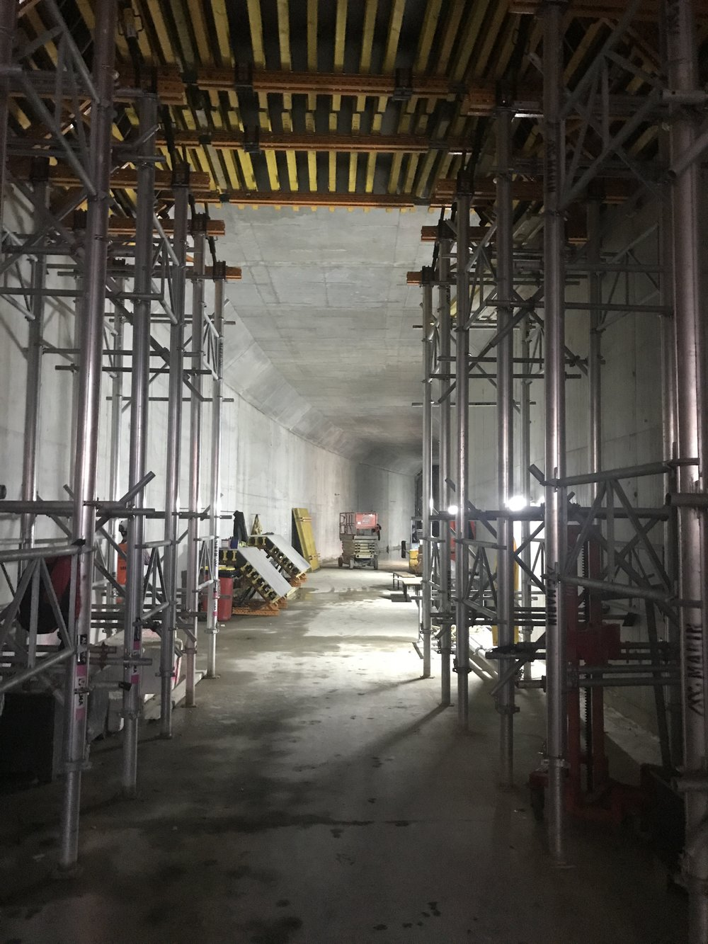 Precinct inside tunnel 9 April 3.jpg