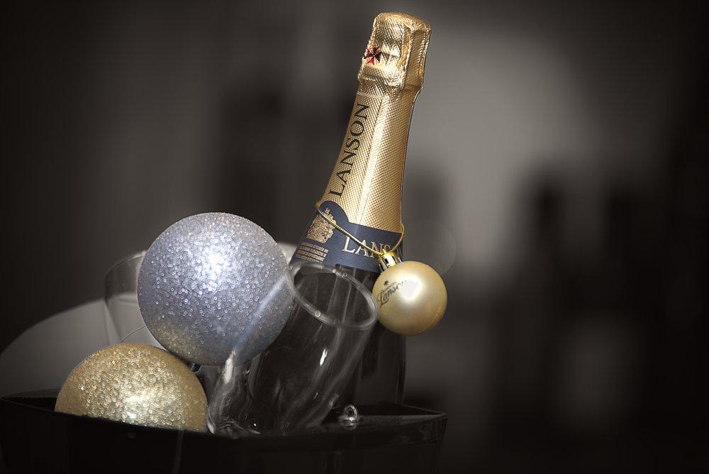 Nottingham Wedding photographer - Lanson champagne in ice bucket