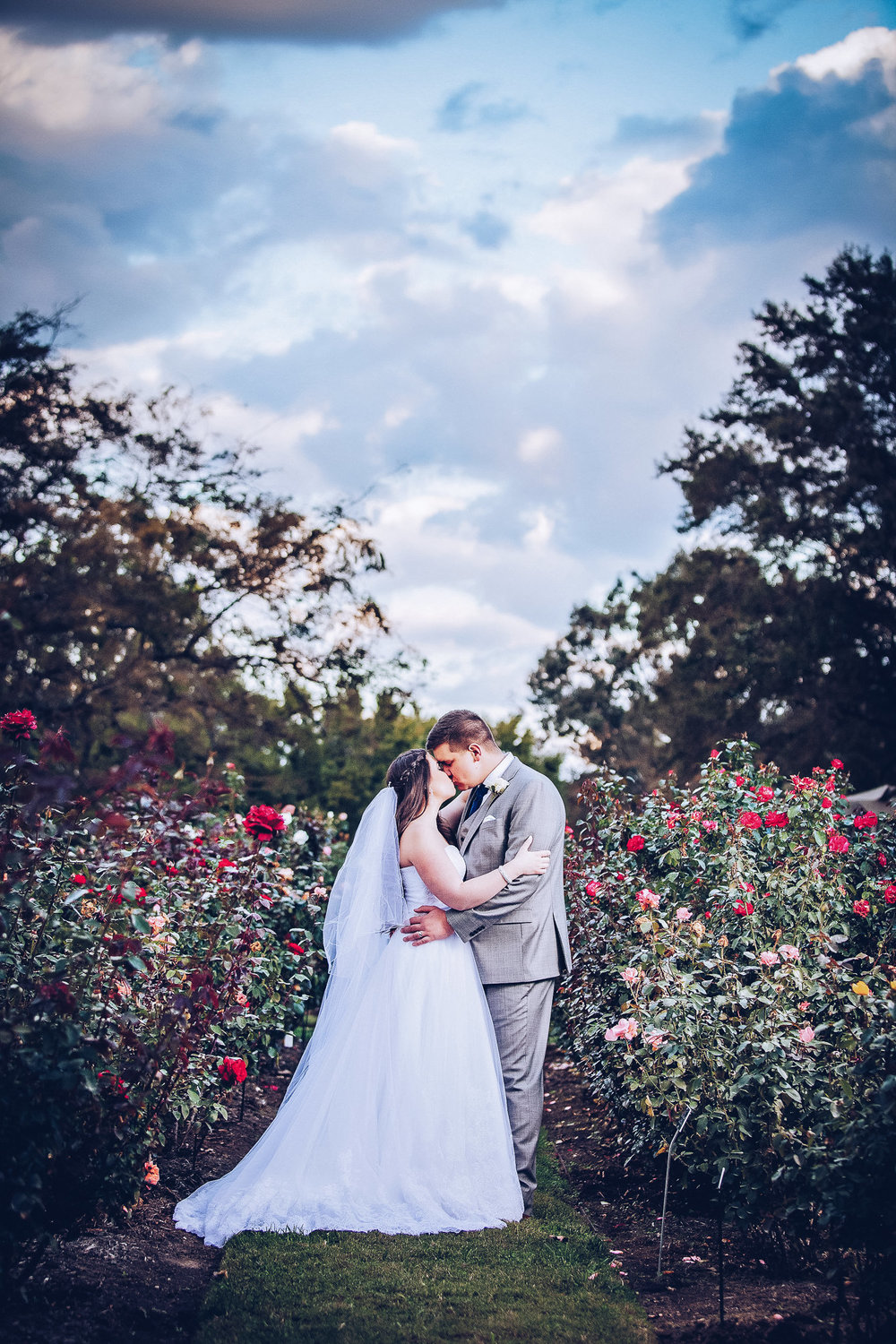 norfolk-botanical-garden-wedding-photograph-samantha-greg.jpg
