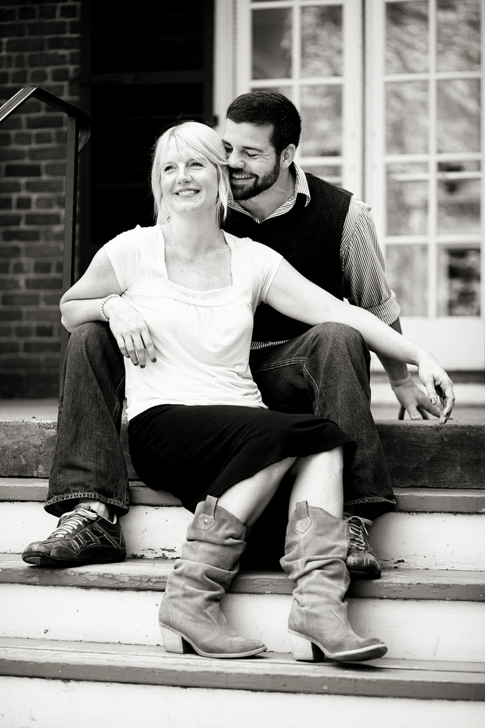 university-of-virginia-engagement-portrait-photograph-brandy-mike.jpg