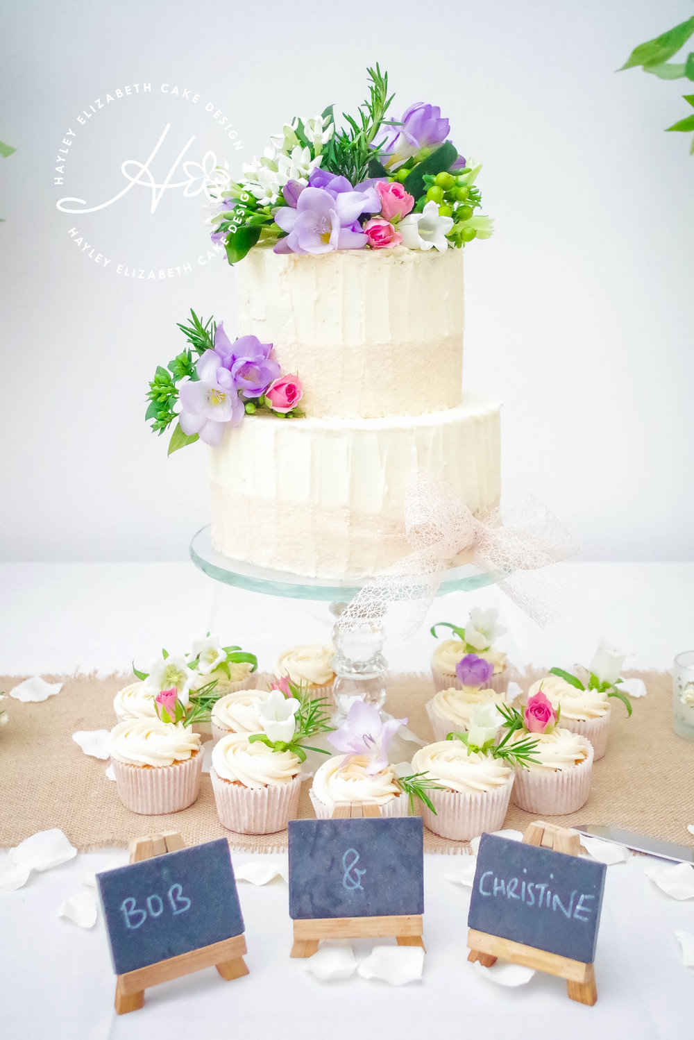 buttercream-weddingcake-with-fresh-flowers.jpg