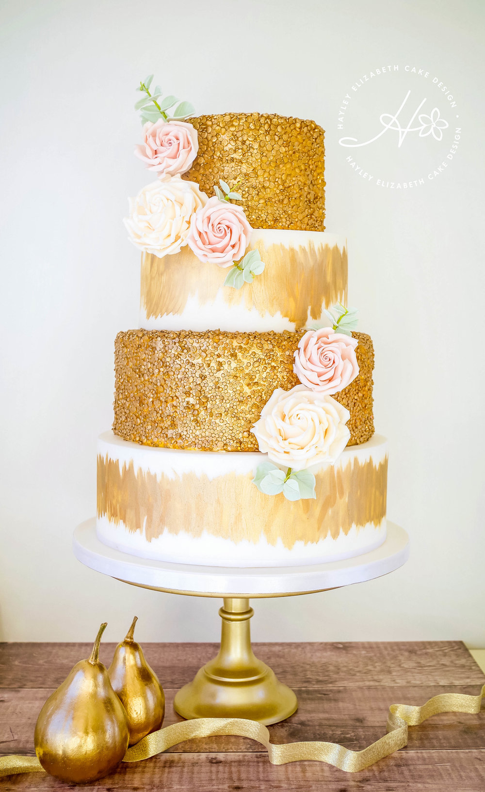 gold-sequin-weddingcake-Dorset.jpg