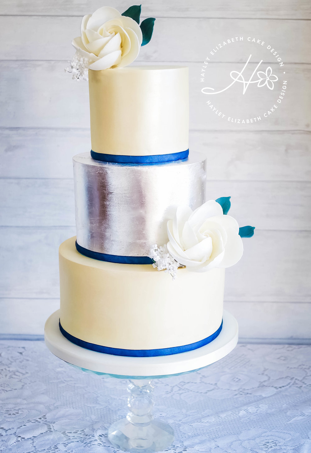 ivory-shimmer-and-edible-leaf-wedding-cake.jpg