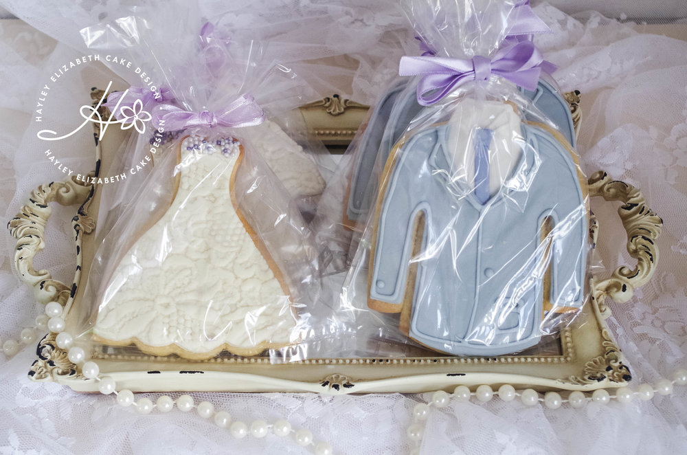 bride-and-groom-cookie-favours.jpg