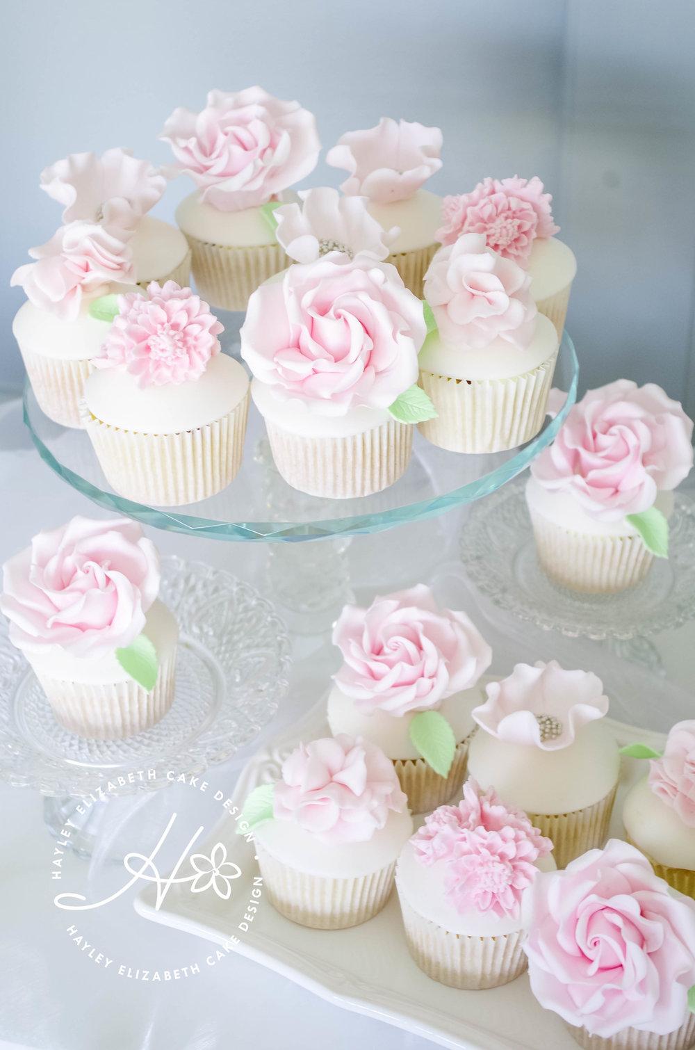 pink-flower-cupcakes-closeup.jpg