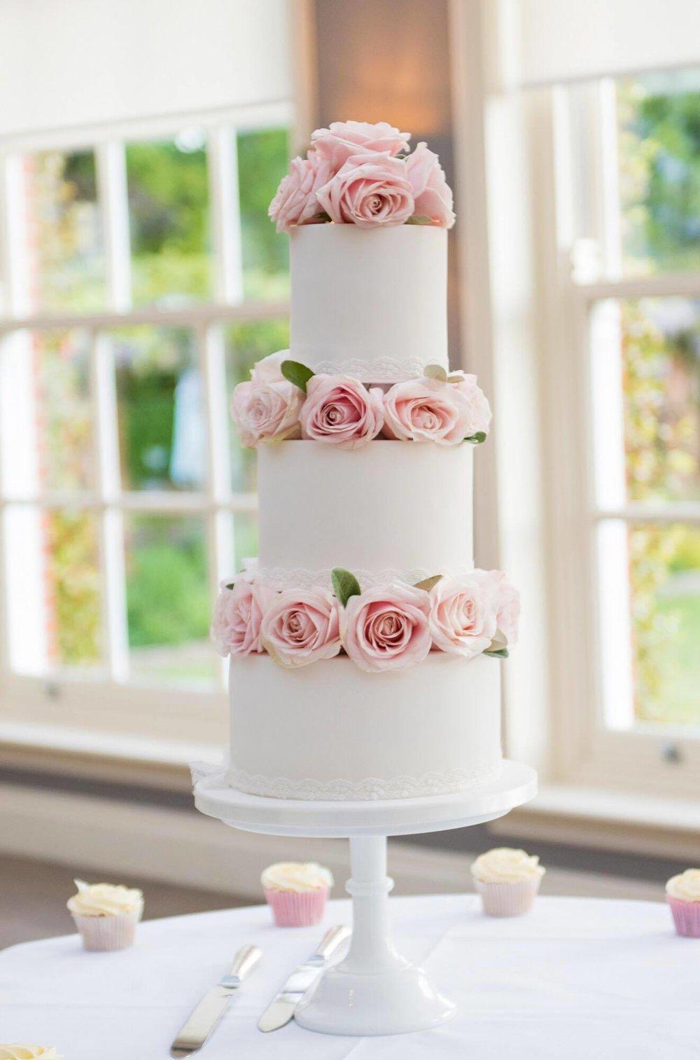 kerrina wedding cake.jpg