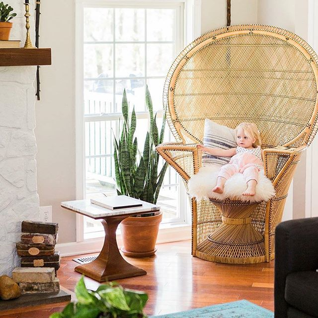 Hey FXBG! Where do you get your home decor inspiration from? 🏠 I love flipping through magazines, anyone else?  And lately I've also been getting so many great ideas from my friend @ej_webb 🙌Lead Designer over at @vagabondfxbg and mom to the cutie in this photo. #homedecor #lovefxbg #hometour #supportlocal 📷 @kerryreneephotography