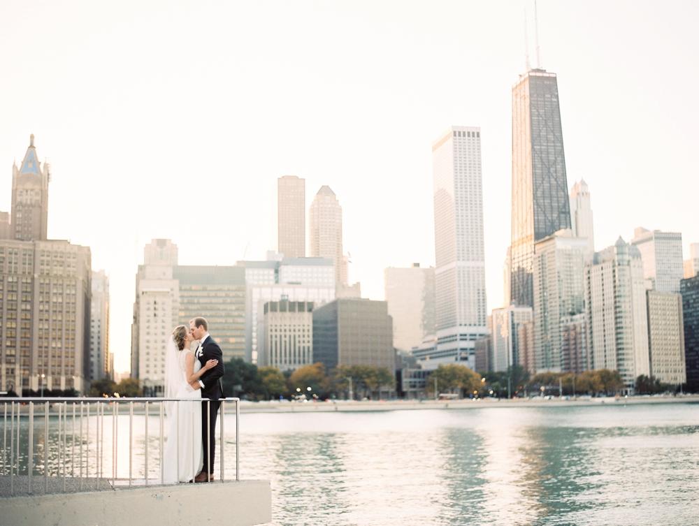 kristin-la-voie-photography-bridgeport-art-center-wedding-chicago-wedding-photographer-110.jpg