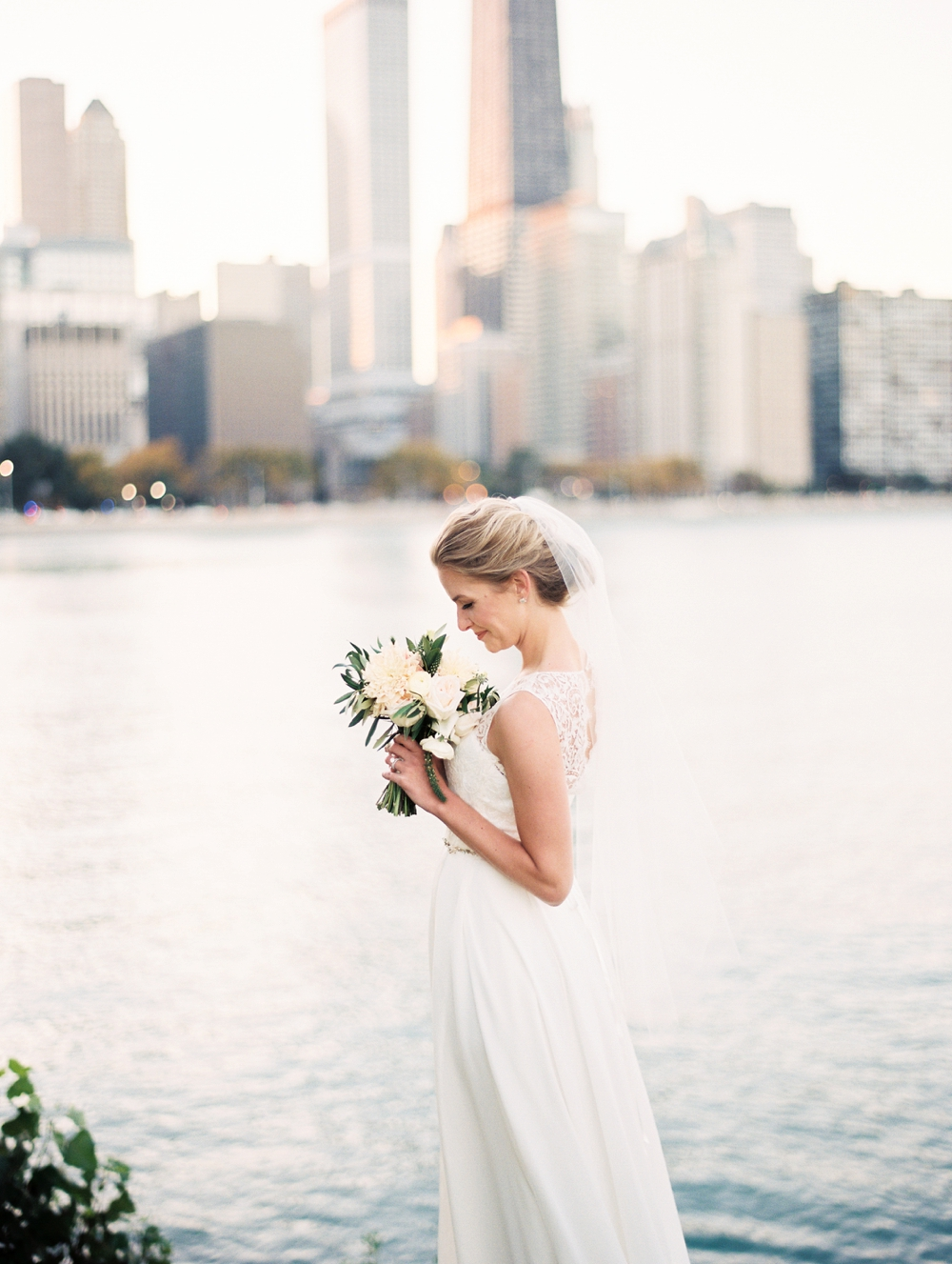 kristin-la-voie-photography-bridgeport-art-center-wedding-chicago-wedding-photographer-120.jpg