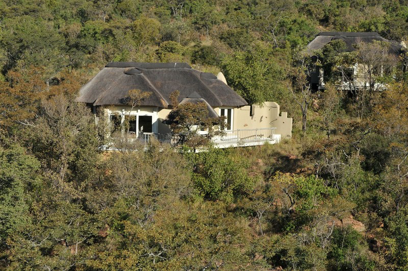 Africa Photo Safaris Lodge7.jpg