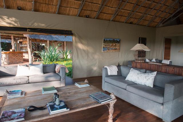 africa photo safari Zimbabwe-017.jpg