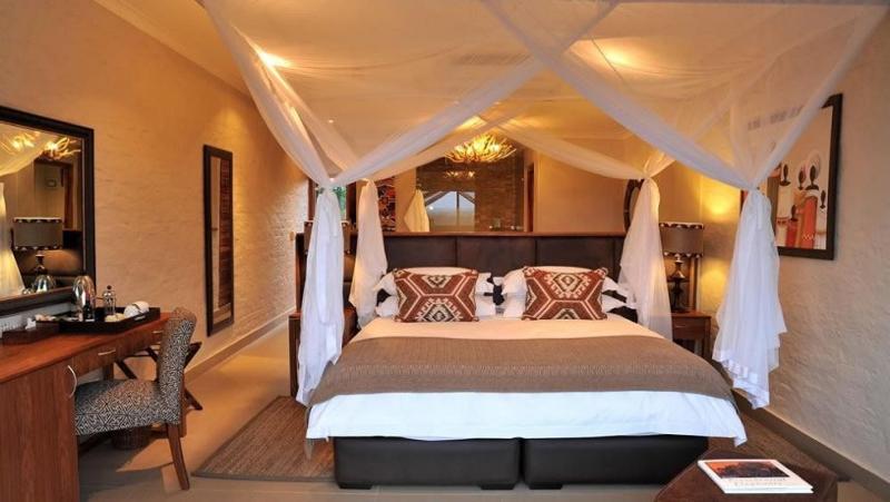 africa safari Vic falls accommodation117.jpg