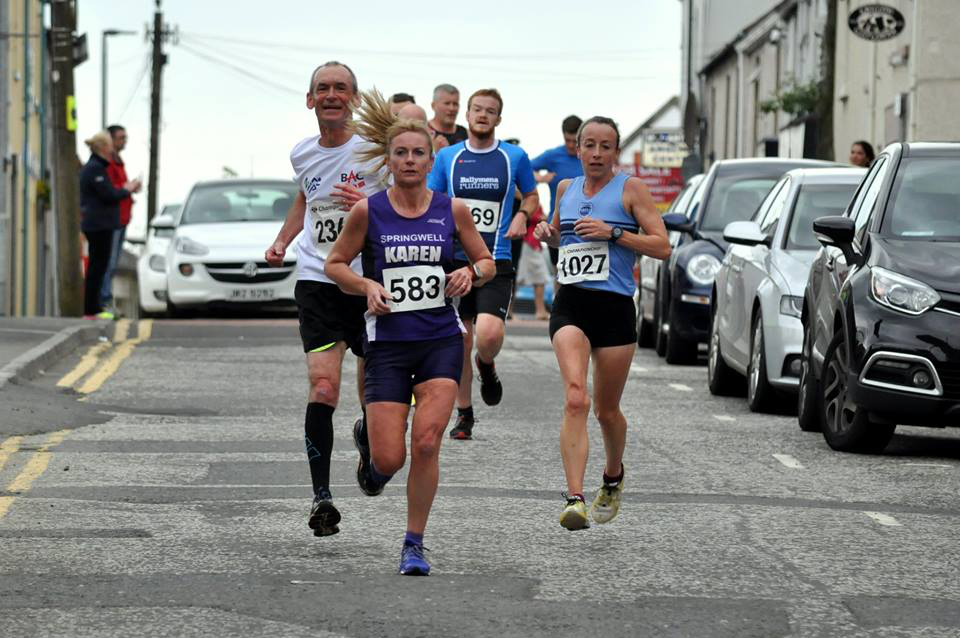 Karen McLaughlin (Springwell RC) and Debbie Matchett (Ballydrain Harriers) at the Fairhilll 5 (Photo Richard McLaughlin)