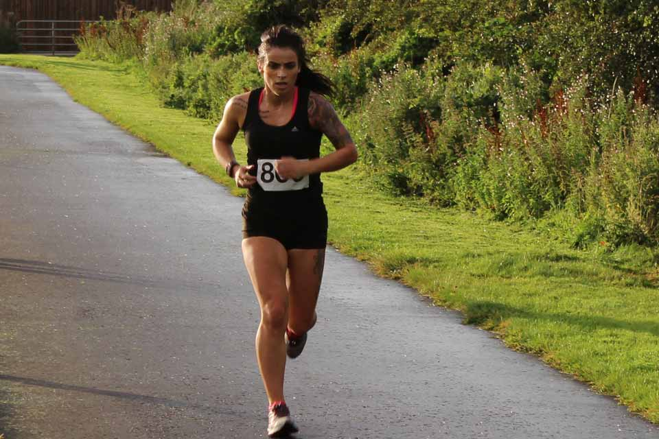 Sarahjane Guiney (unattached) on her way to victory at the Purple Ladies