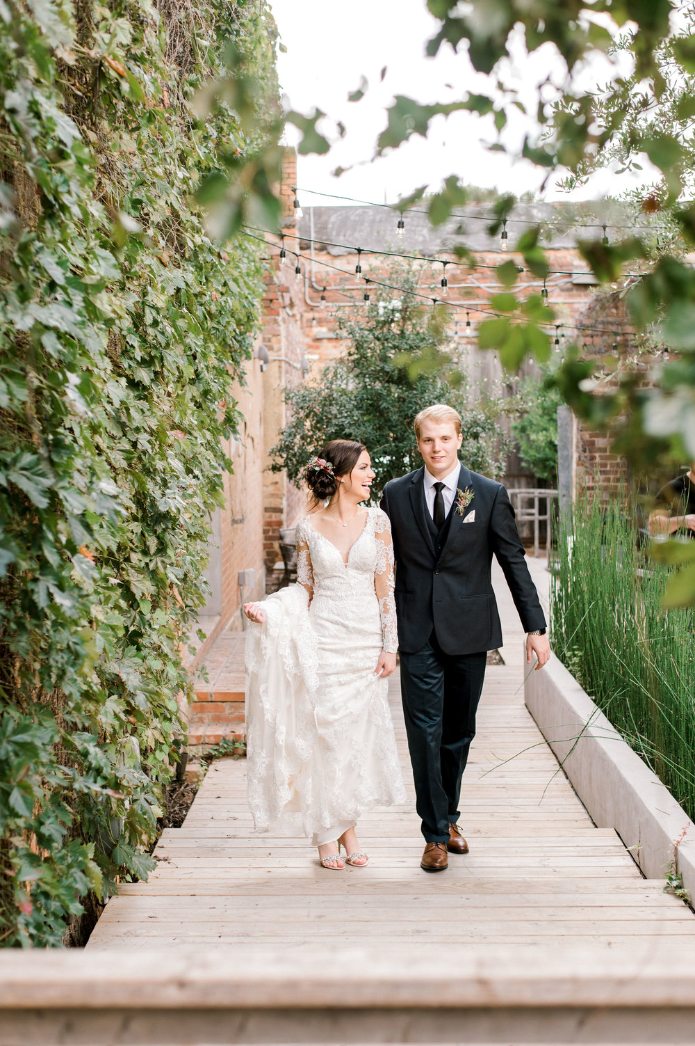 Bride and Groom Portraits | Downtown Fort Worth Industrial Modern Wedding